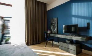 Minimalist curtain for minimalist house