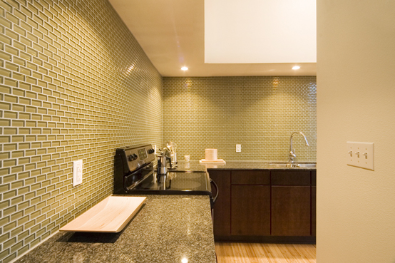 Glass-Tile-Backsplash